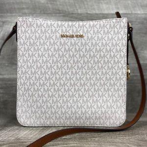 Michael Kors LG Crossbody Messenger Bag Vanilla